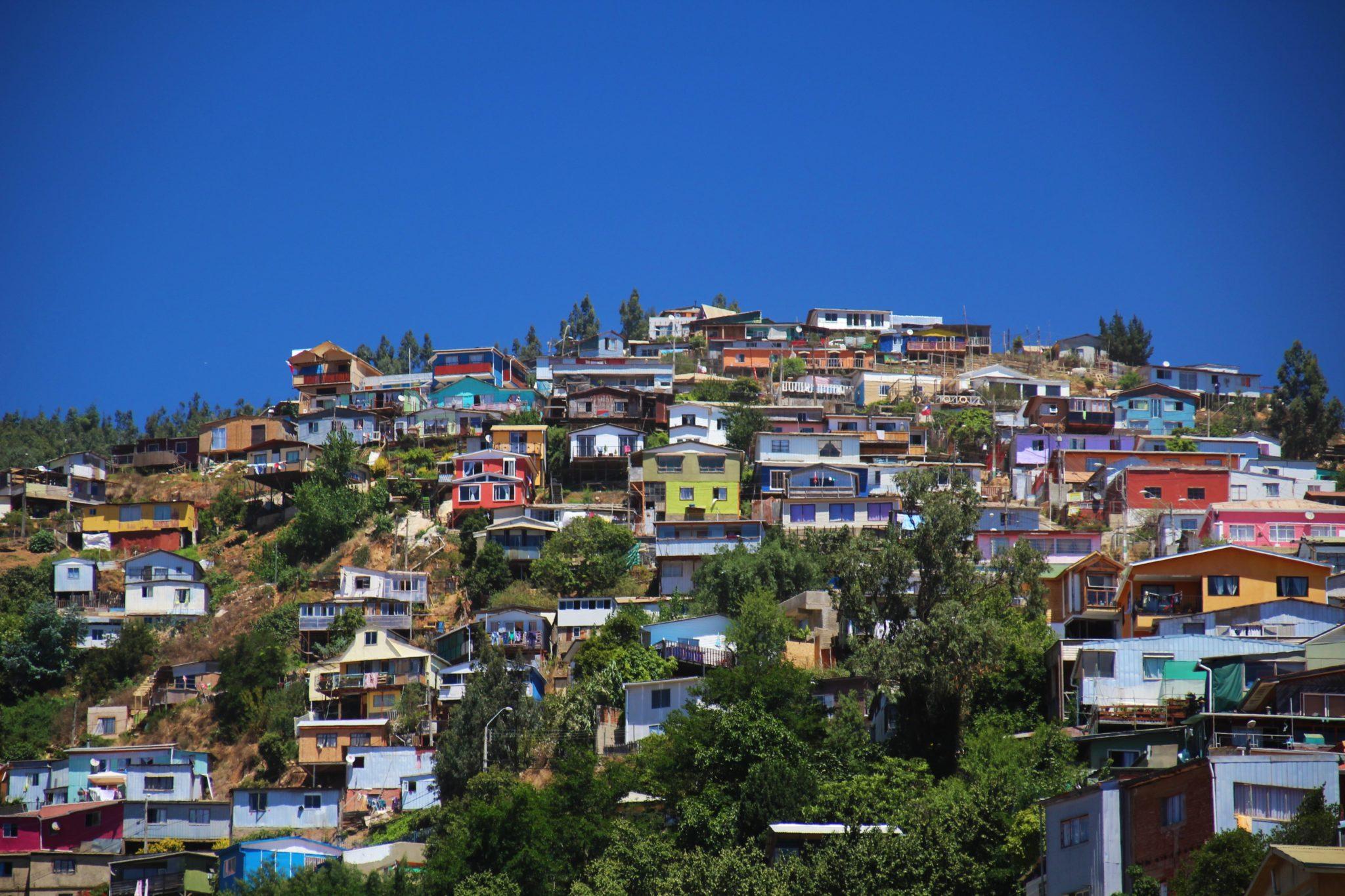 Région centrale colines valparaiso cerros chili couleurs