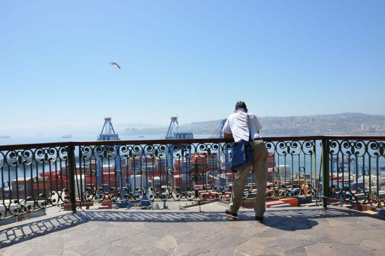 Vue sur le port de Valparaiso