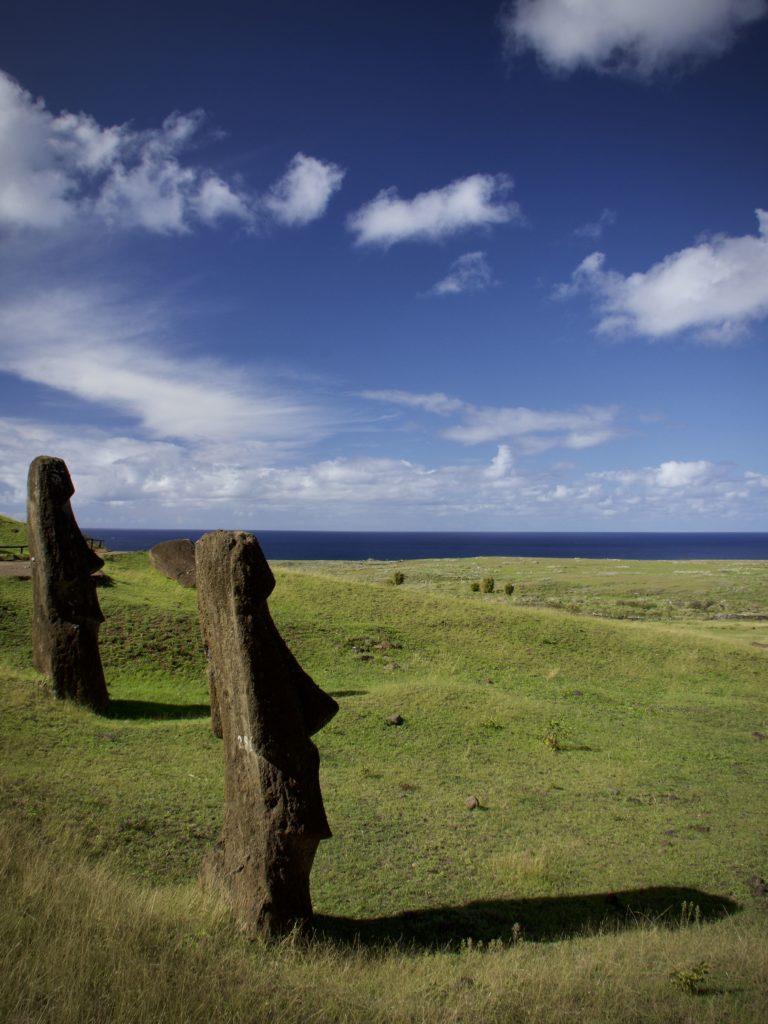 isla de pascua, Ile de Pâques, chili, moai regardant la mer