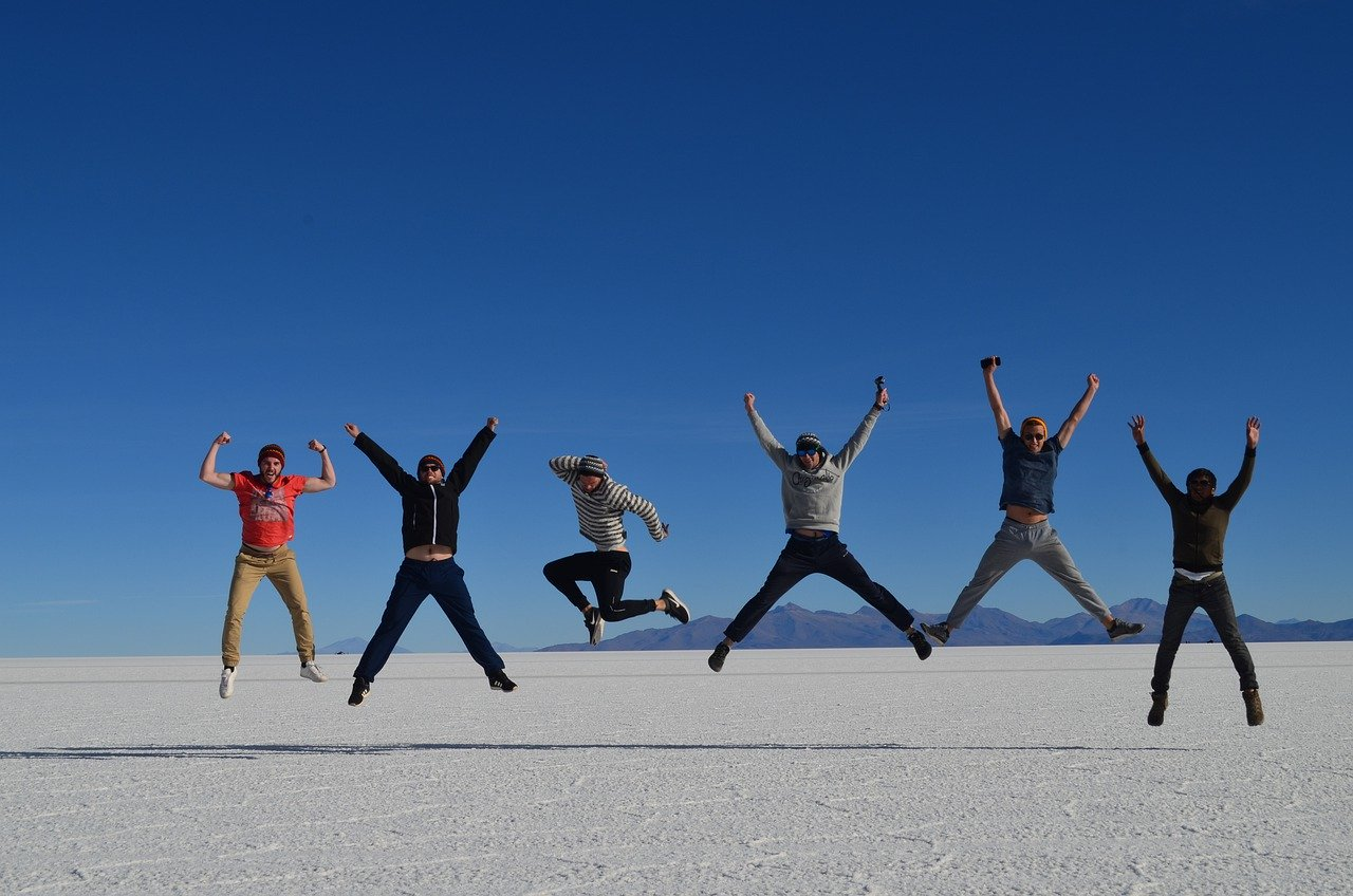 Photos salar Uyuni groupe sautant