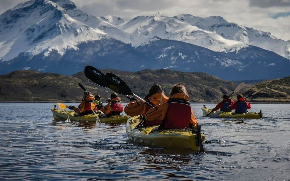 Kayak dans le fjord eberhard patagonie chili