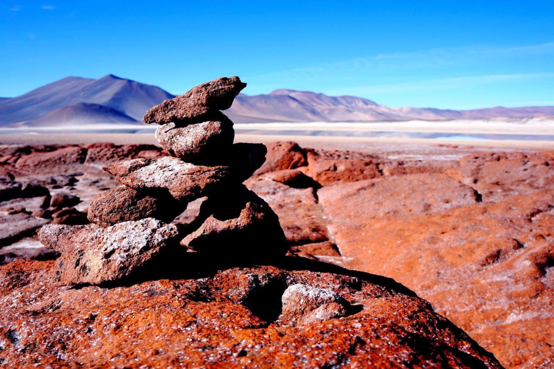 desert atacama pierres rouges lagunes