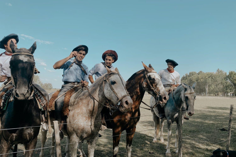 gauchos cheval patagonie