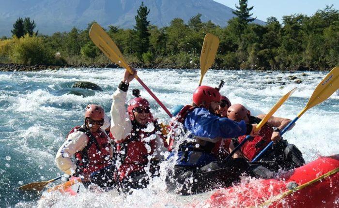 Rafting sur le Río avec vue sur le volcan
