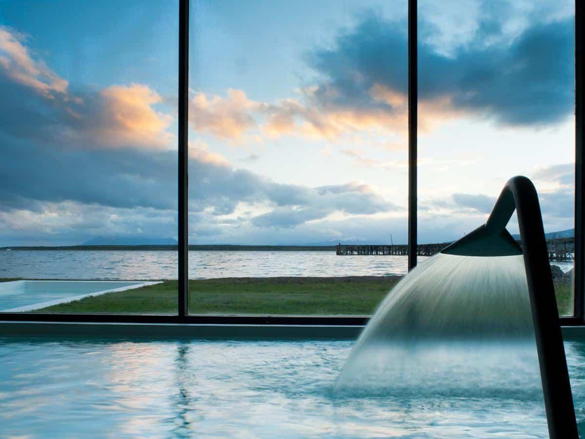 vue du spa de the singular a Puerto Natales