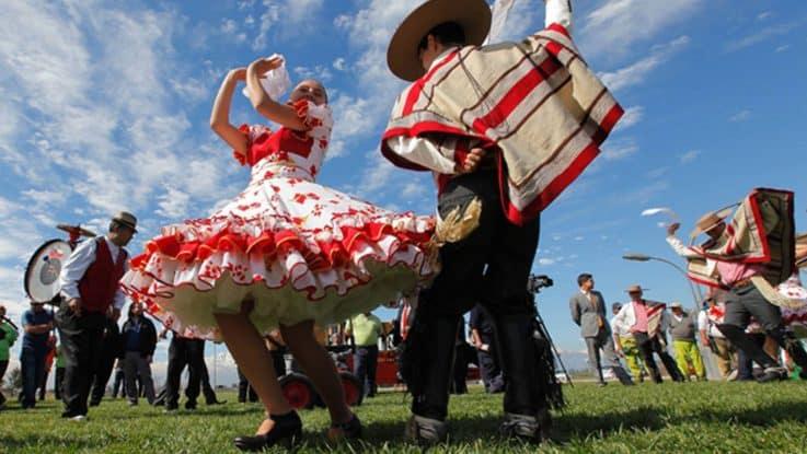 cueca danse traditionnelle chili
