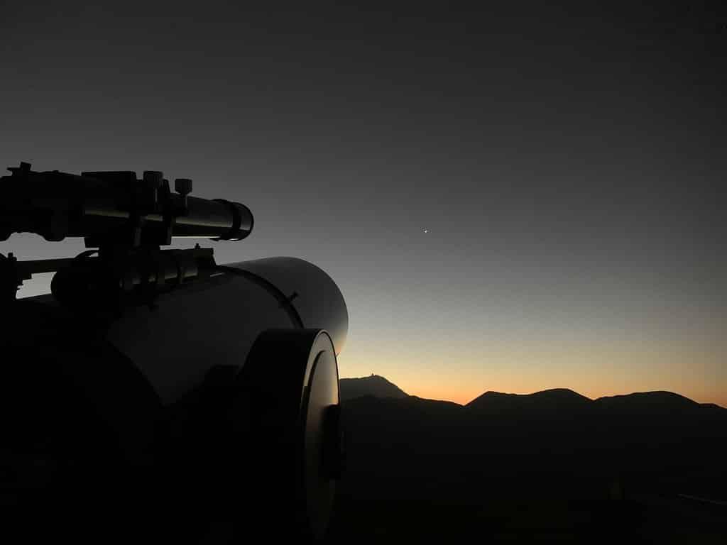 Observation des étoiles dans la vallée del Elqui