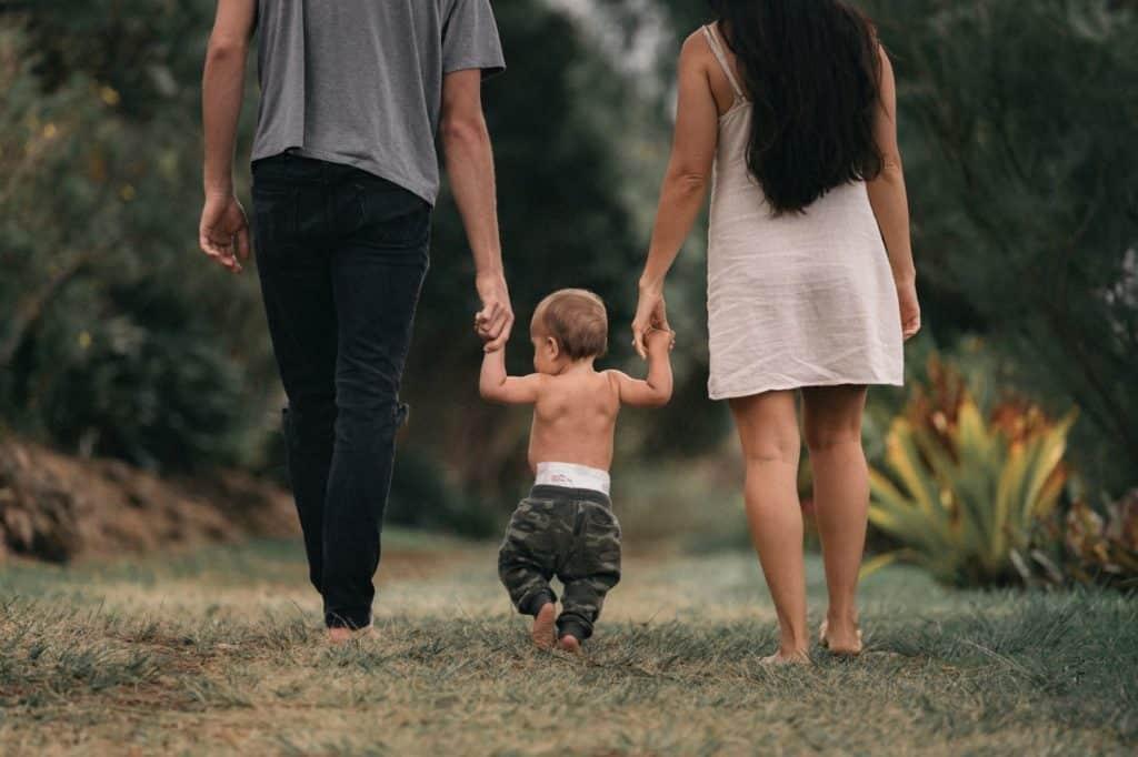 promenade enfant parents chili voyage bébé